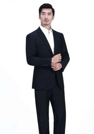 灰色订做西装西服如何进行搭配
