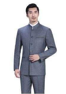 在条纹西服定做时要怎样搭配西服?应该注意什么?